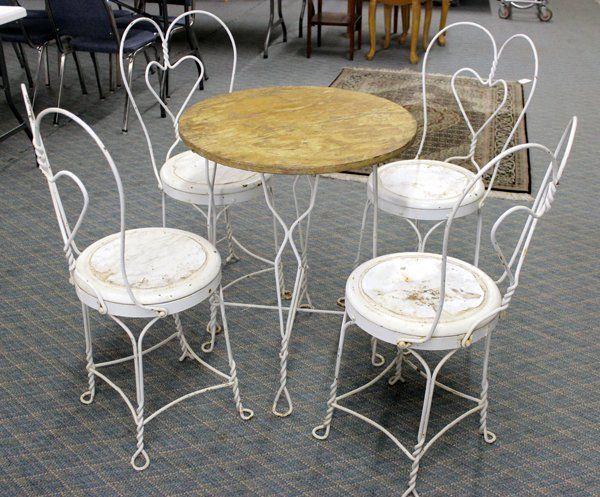 1950s Ice Cream Parlor Table & Chairs Must Pick Up