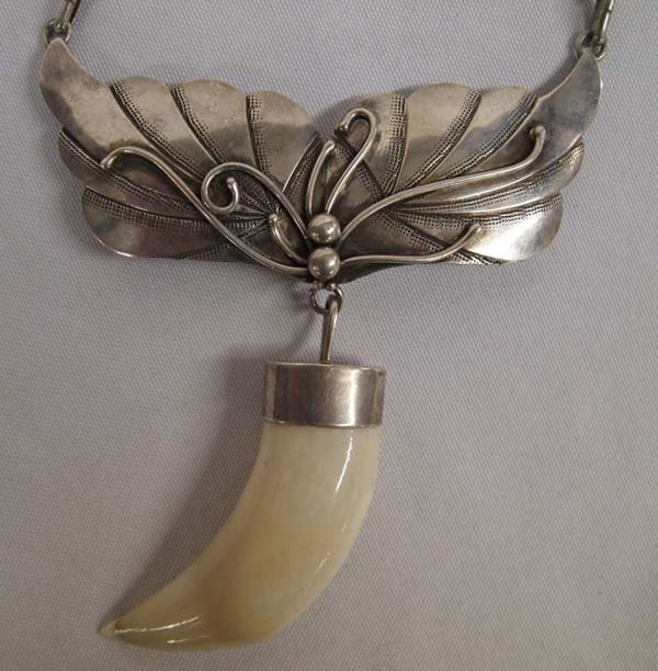 Navajo Sterling Silver Claw Choker Necklace