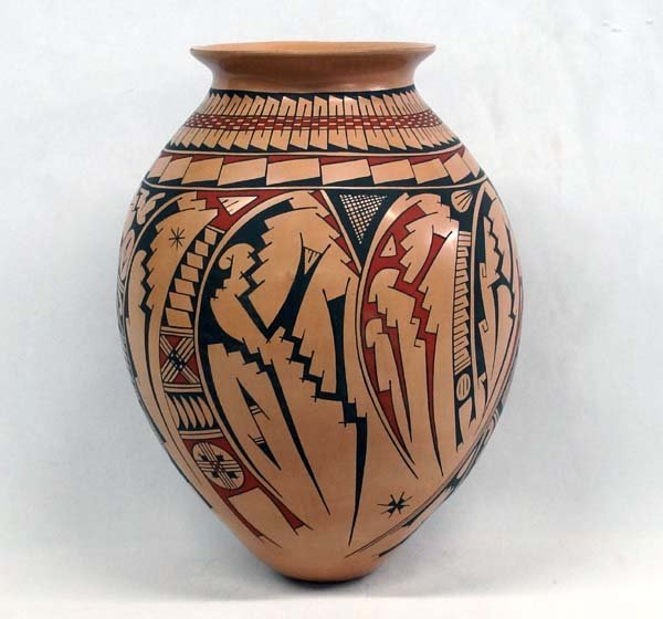 Large Mata Ortiz Polychrome Jar by Elfida Tena