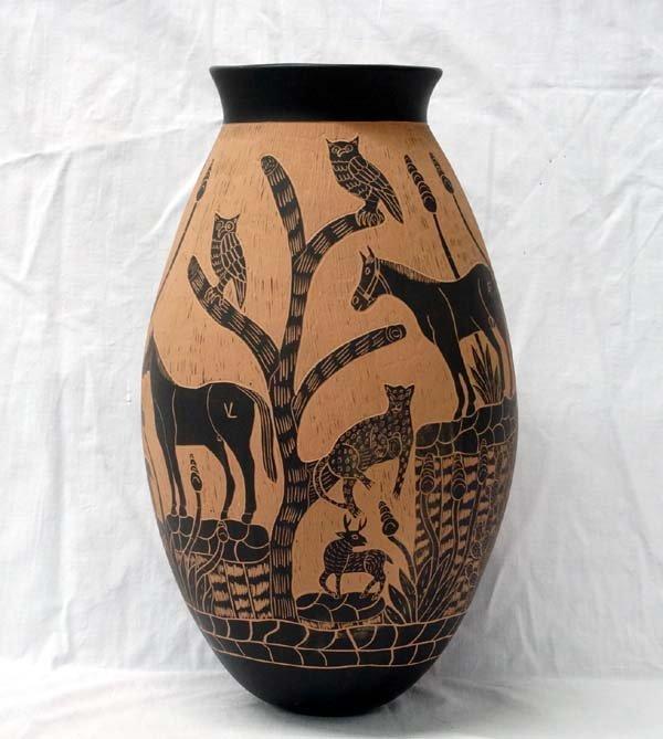 Mata Ortiz Sgraffito Horse Jar by Rosa Gaona