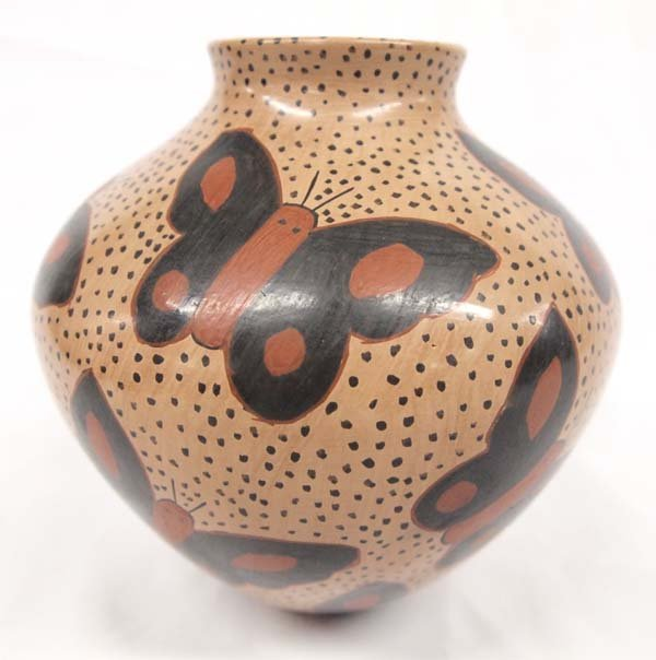 Mata Ortiz Polychrome Butterfly Jar by Luis Ortiz