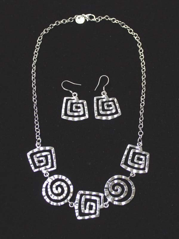 Reversible Sterling Maze Necklace and Earrings