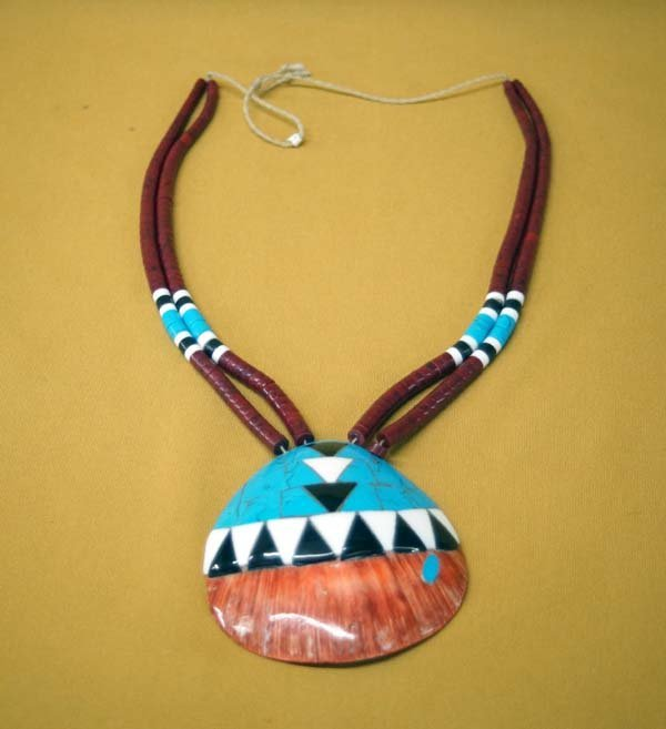 Santo Domingo Inlay Shell Pendant Necklace