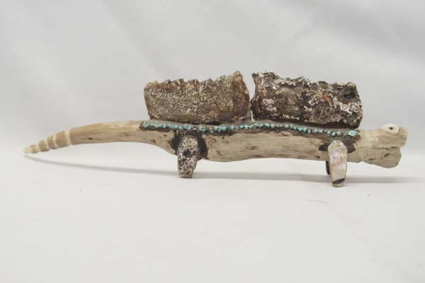 Native American Zuni Carved Antler Lizard