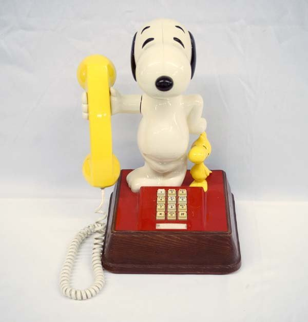 Vintage 1976 Snoopy & Woodstock Push Button Phone