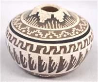 Native American Navajo Incised Pottery Seed Jar