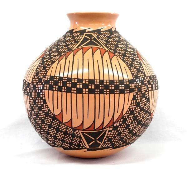 Mexican Mata Ortiz Jar by Luis Ortiz
