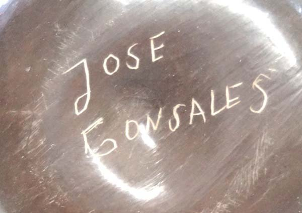 Mexican Mata Ortiz Jar by Jose Gonzales - 3