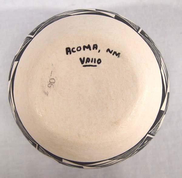 Acoma Fine Line Pottery Jar by Vallo - 3
