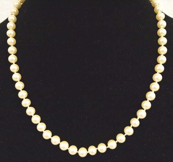 Vintage Pearl Hand Knotted Strand Necklace