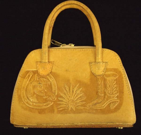 Small Mexican Hand Tooled Leather Purse looks new