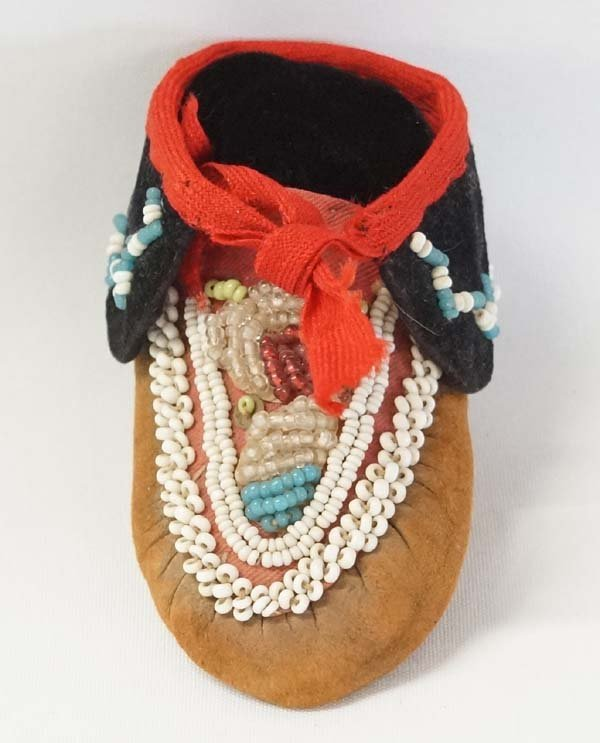 Iroquois Fully Beaded Single Mocassin