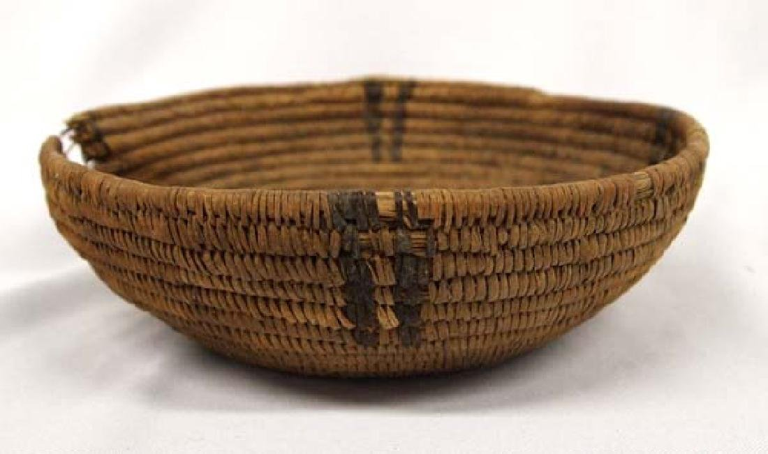 Antique Native American Navajo Two-Toned Basket - 2