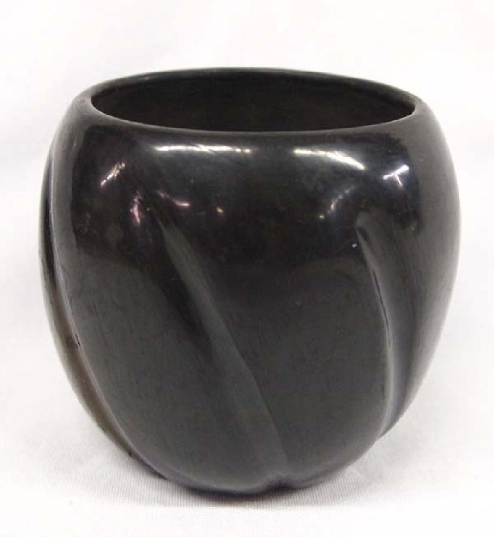 Native American Santa Clara Pottery Melon Jar