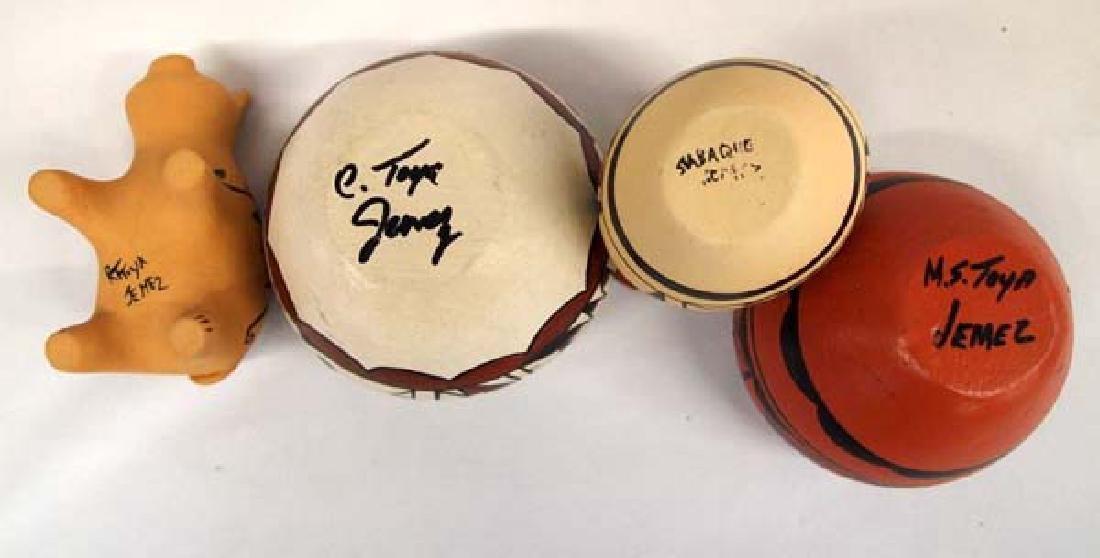 4 Pieces of Native American Jemez Pueblo Pottery - 4