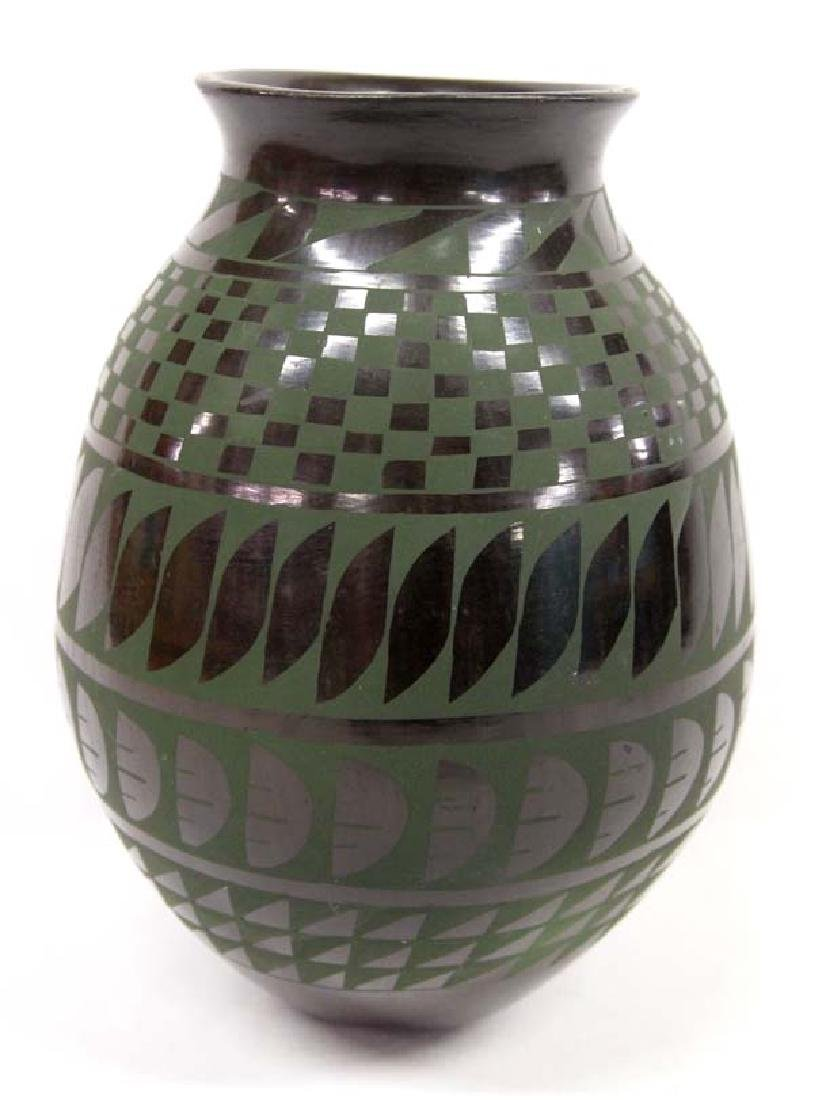 Mexican Mata Ortiz Green on Black Jar, Villapando