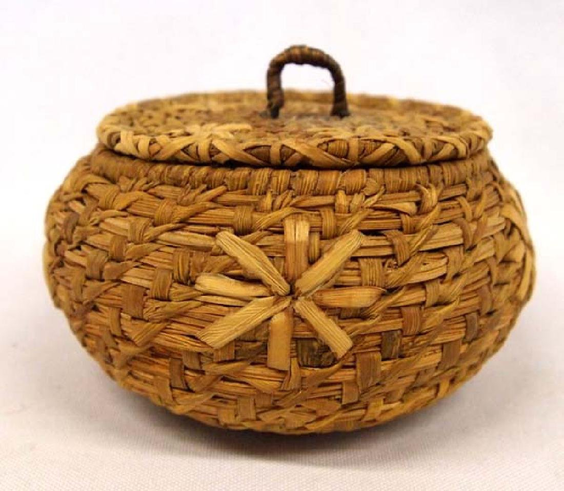 Native American Coushatta Lidded Basket
