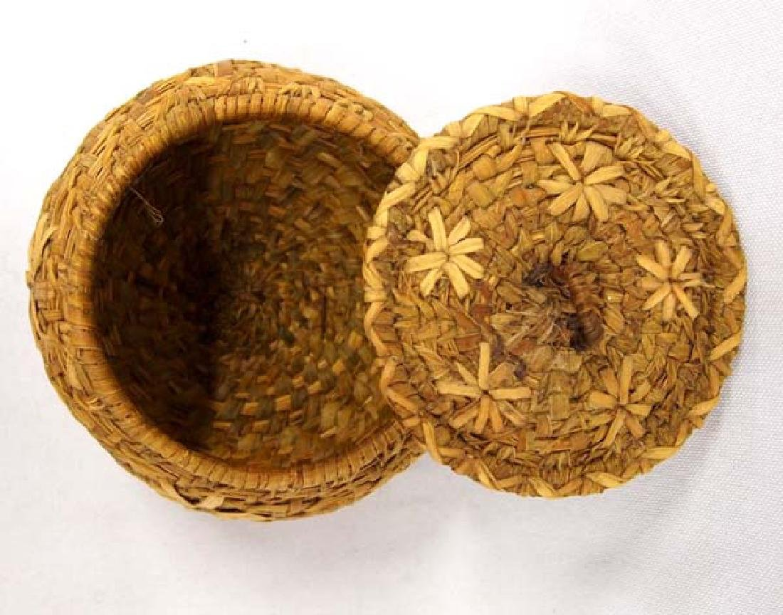 Native American Coushatta Lidded Basket - 3