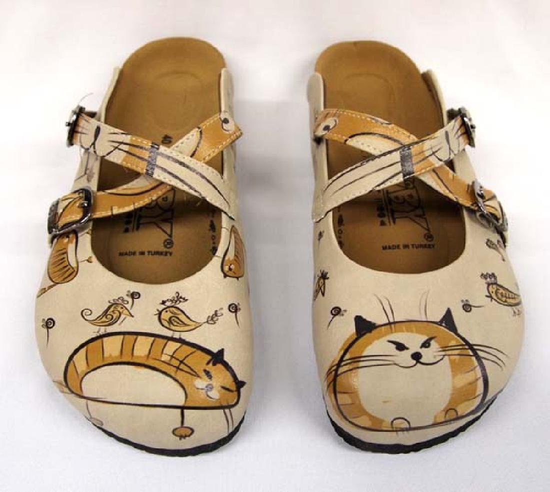 Goby Catch Your Mood Shoes, New in Box, Size 9