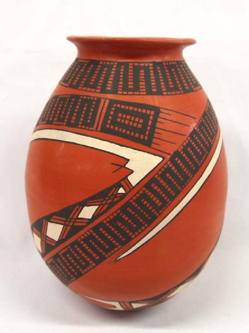 Mexican Mata Ortiz Polychrome Jar by Yolanda Soto