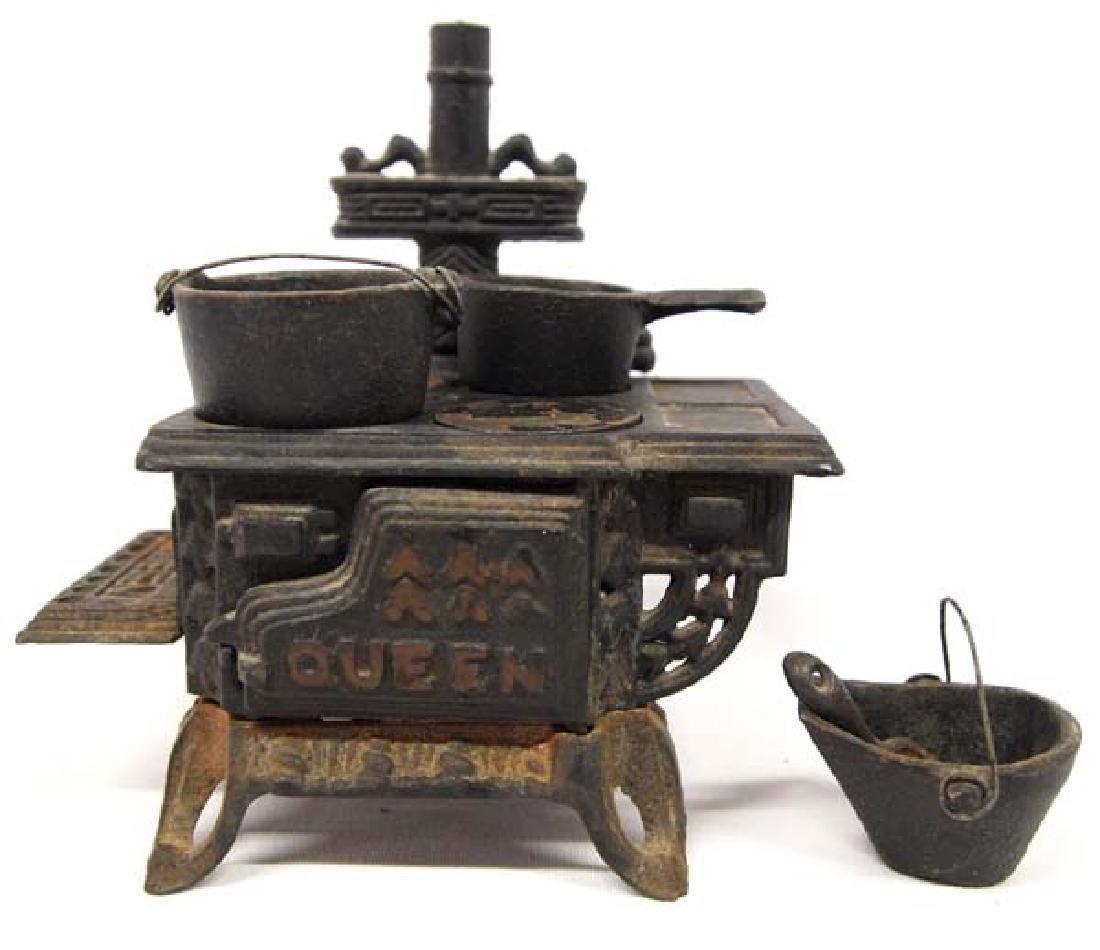 Rare Queen Cast Iron Toy Stove Salesman Sampler