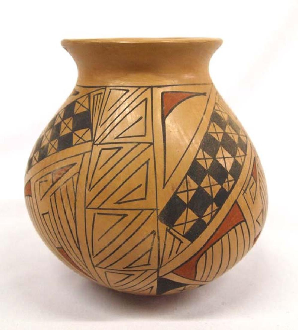 Mata Ortiz Pottery 6in H SH $14
