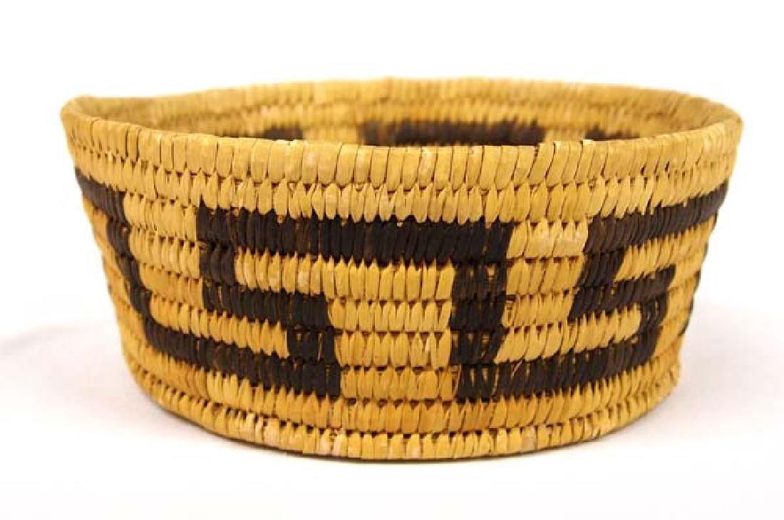 Native American Papago Basket 3in H SH $14