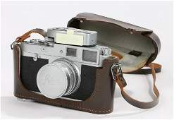 Leica M1 camera, together with the attached Leica light