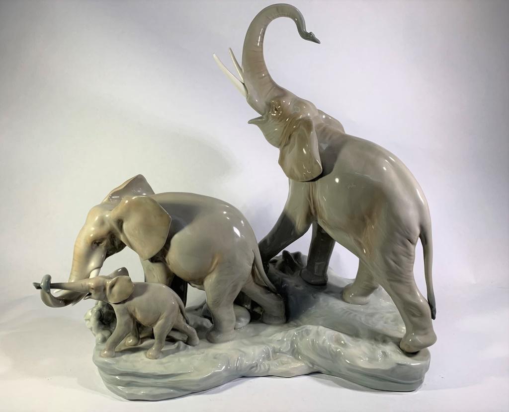 Lladro Elephant Family