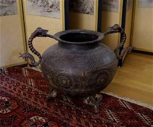 Cauldron (h. 36 cm), India