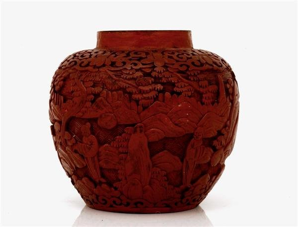 1013: Old Chinese Export Cinnabar Lacquer Vase Figurine