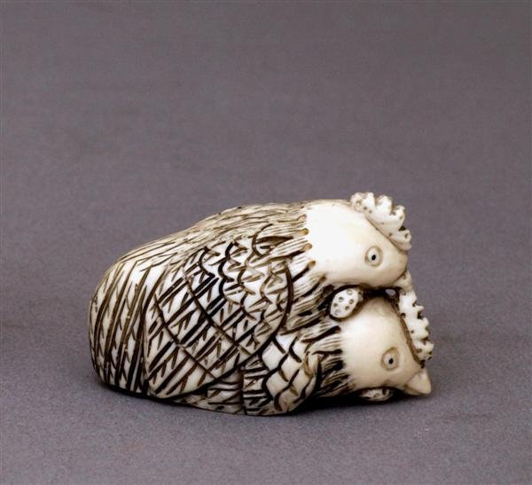 507: Japanese Ivory Netsuke 2 Chicken Rooster Mating