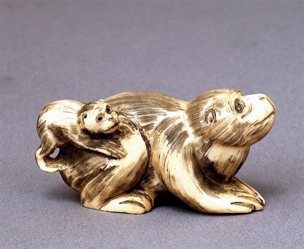 512: Japanese Ivory Netsuke Mother Monkey & Baby