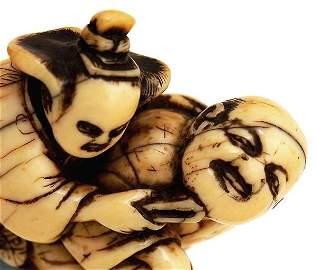 667: 18C Japanese Ivory Netsuke Geisha Beard Figure