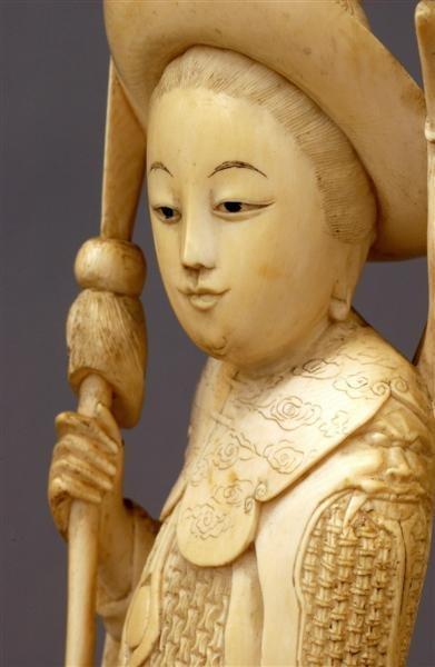 1014: Chinese Ivory Tusk Mulan Lady Warrior Figurine