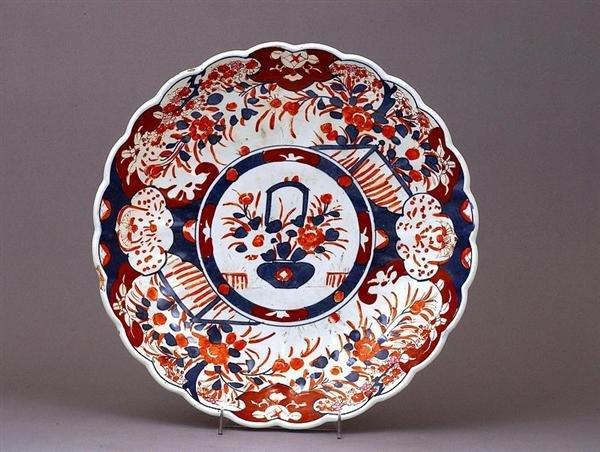 1761: Meiji Japanese Imari Kutani Scallop Charger