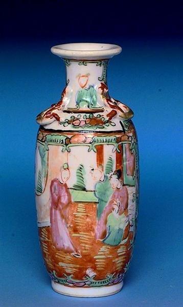 2503: Chinese Export Rose Medallion Vase Figurine - 2
