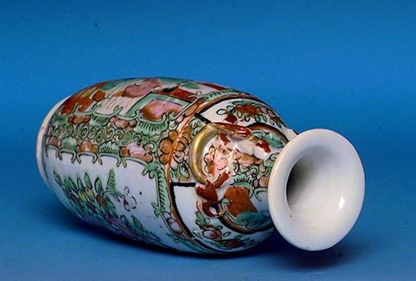 2503: Chinese Export Rose Medallion Vase Figurine - 4