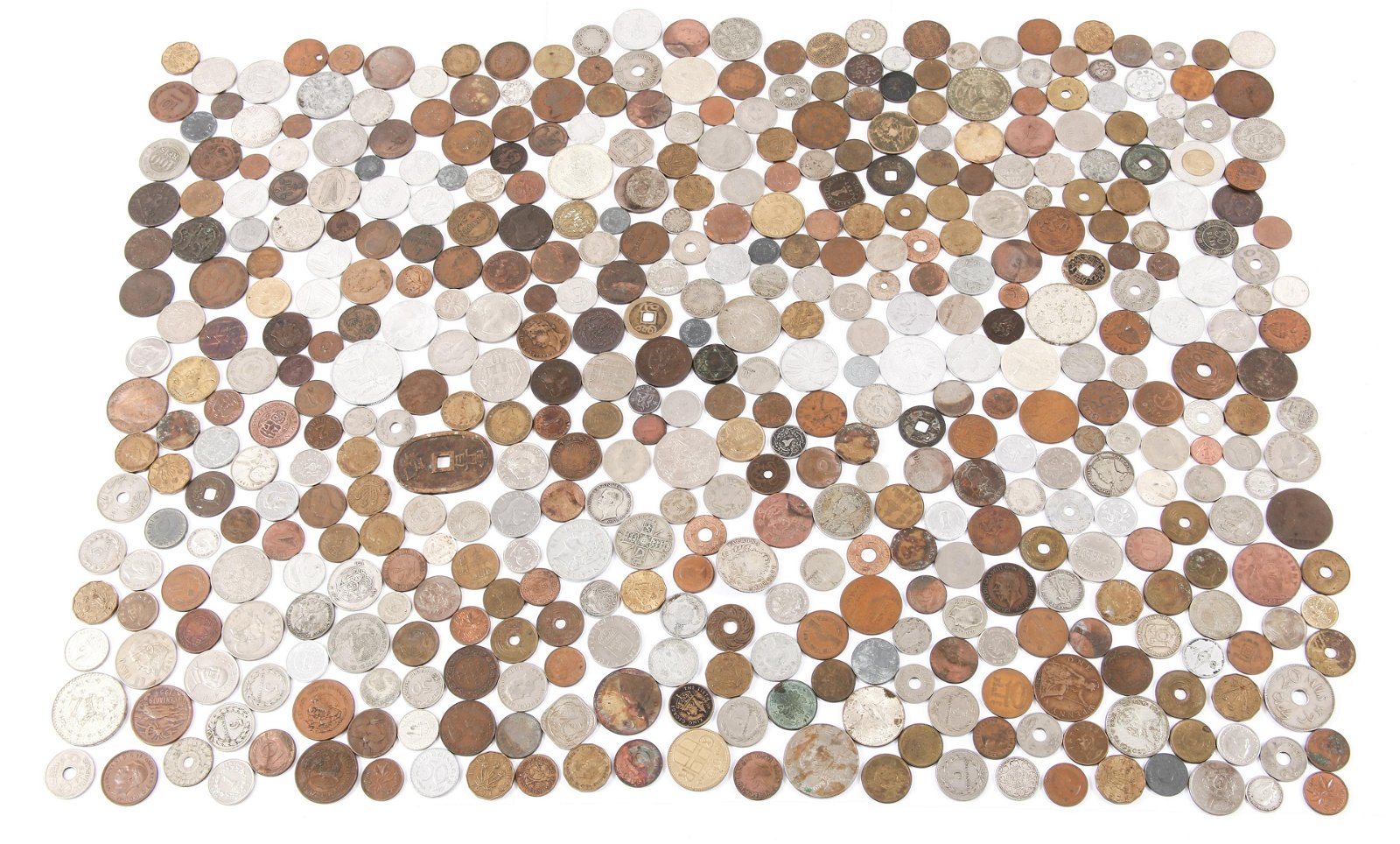 WORLD COIN CURRENCY 4+ LBS