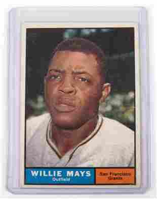 1961 TOPPS WILLIE MAYS BASEBALL CARD #150