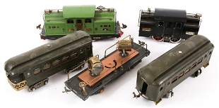 EARLY TO MID 20TH CENTURY LIONEL TRAINS LOT OF 5