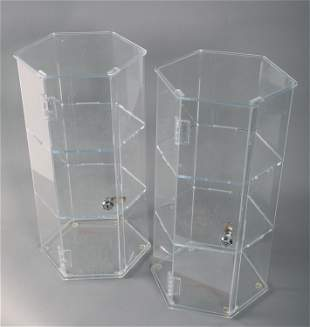 SIX-SIDED LOCKABLE ACRYLIC DISPLAY CASES