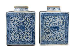 PAIF OF CHINESE BLUE AND WHITE PORCELAIN TEA CADDIES,
