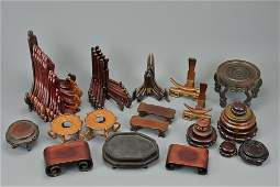 QUANTITY OF VARIOUS WOODEN DISPLAY STANDS