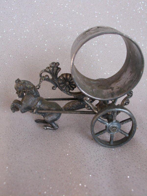 Vintage Meriden horse carriage silverplate 214 napkin
