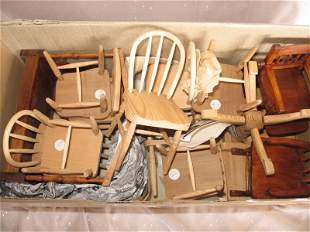 Very good Dolls House Furniture:- Dinner table and nine