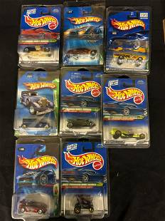 COLLECTION OF HOT WHEELS INCLUDING TREASURE HUNT