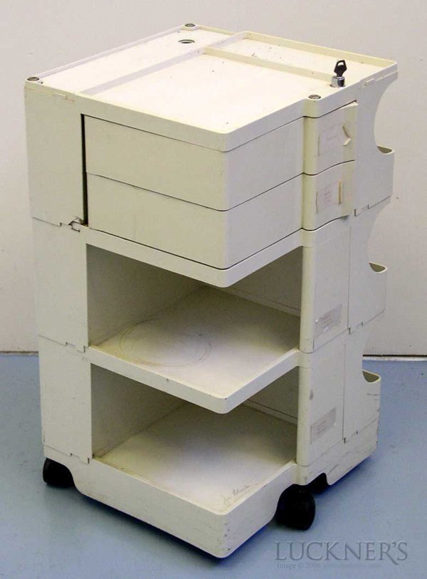 3: A Joe Colombo Plastic Boby Trolley - 3