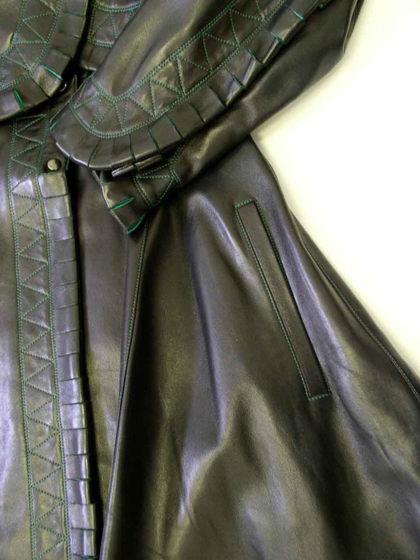 500: A Vintage Alaia Leather Coat - 10
