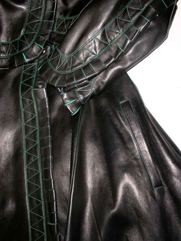 500: A Vintage Alaia Leather Coat - 9